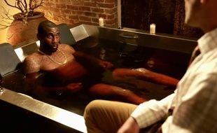 Amar'e Stoudemire dans son bain de vin rouge.