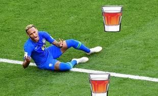 Coupe du monde 2018  A chaque chute de Neymar, un bar brésilien offre une  tournée de shooters 333fa6cbaf06
