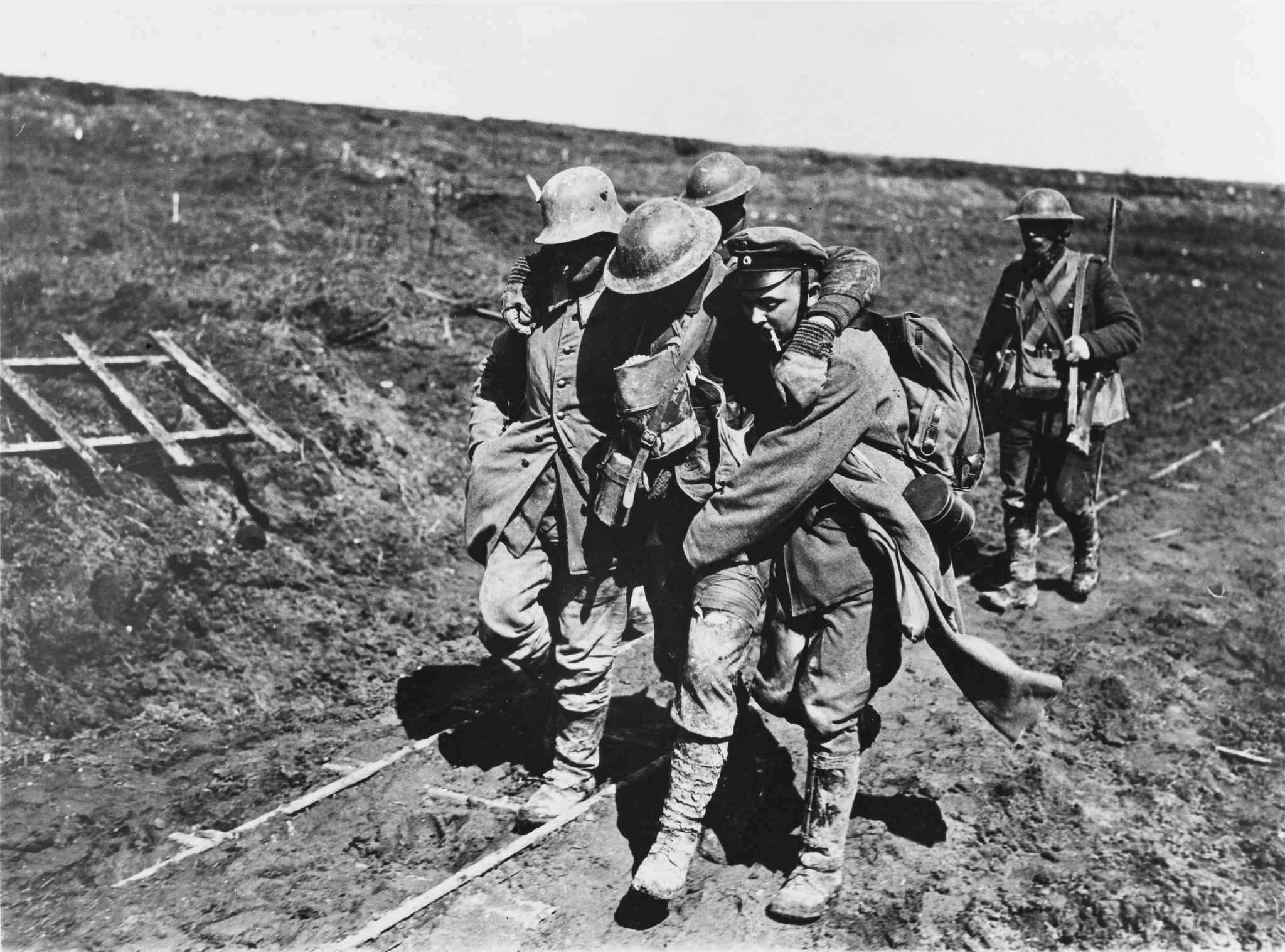 Holland et Trudeau lancent le centenaire de la bataille d'Arras, avant Vimy