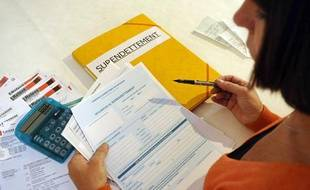 Plus de 900.000 personnes seraient en situation de surendettement, début 2011 en France