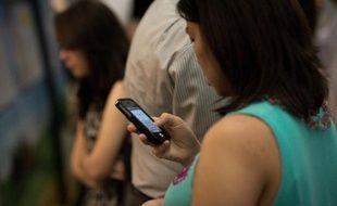 Selon le sondage, près de huit Français sur dix jugent nuisible la publicité sur Internet