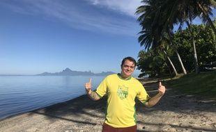 François, fan du FCN, sur une plage à... Tahiti.
