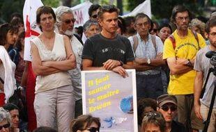 Manifestation de soutien au professeur des écoles Erwan Redon à Marseille le 7 juillet 2009.