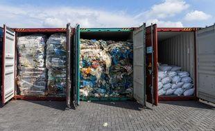 Des déchets plastique renvoyés par containers en Malaisie, le 29 mai 2019.
