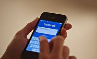 L'application Facebook sur mobile.