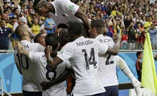 La joie de l'équipe de France lors du match contre la Suisse, le 20 juin 2014.