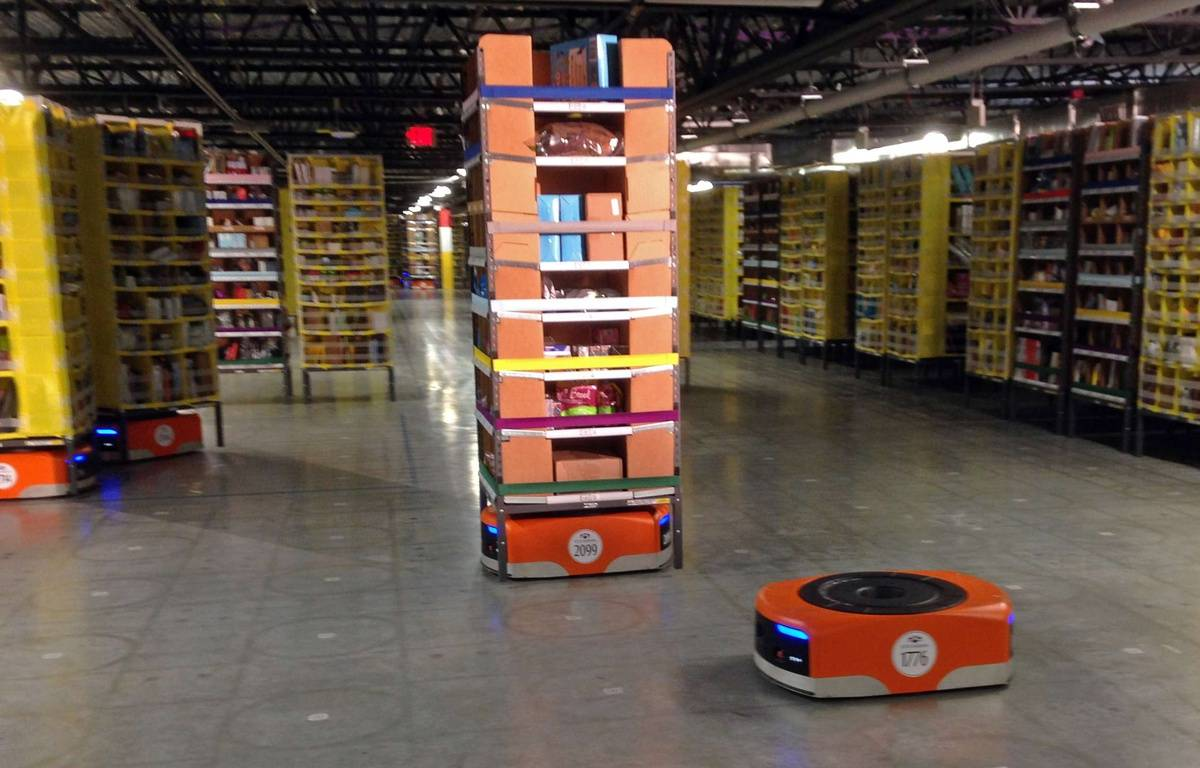 Les robots Kiva utilisés par Amazon pour les fêtes de fin d'année. – Brandon Bailey/AP/SIPA