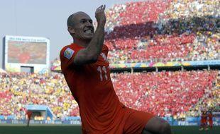 Arjen Robben fête son but contre le Chili, le 23 juin 2014 au Brésil.