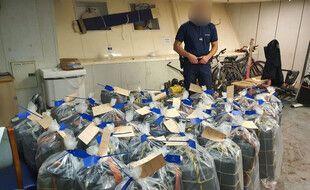 Les douaniers de Dunkerque ont saisi 1,1 tonne de cocaïne à bord d'un cargo.