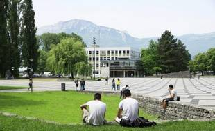 Le 13 mai 2015, sur l'un des campus de Grenoble.
