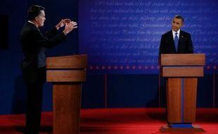 Barack Obama et Mitt Romney, lors du premier débat présidentiel, le 3 octobre 2012, à Denver, dans le Colorado.