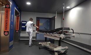 Illustration d'un brancard, ici au sein de l'hôpital de Strasbourg.