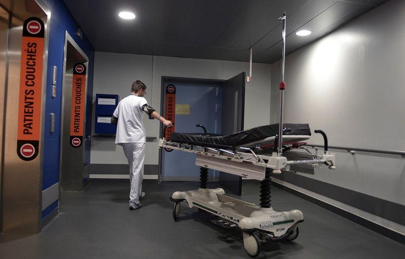 Brest : Après six heures passées sur un brancard des urgences, un homme de 86 ans décède