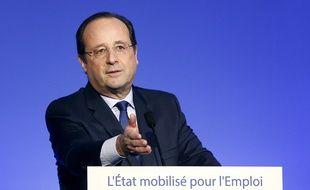 lors de son discours de mobilisation pour l'emploi prononcé à la Maison de la Chimie à Paris, le 28 avril 2014.