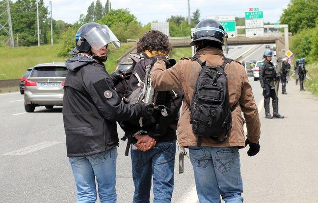 Un manifestant a été interpellé par la BAC au bord de la rocade. Ici lors de la manifestation contre la loi Travail, le 19 mai 2016 à Rennes.