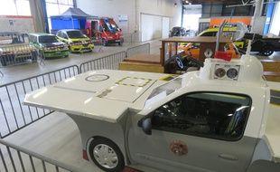 Après une présentation au public lundi matin, les 14 véhicules seront vendus aux enchères à partir de midi près de Rennes.
