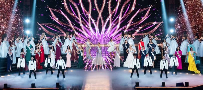 Le 19 décembre 2020, lors de l'élection de Miss France 2021, un tableau a mis en avant d'anciennes gagnantes du titre à l'occasion du centenaire du concours.