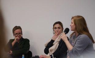 Julie Gayet, entourée des réalisatrices allemandes Anne Katrin Hendel et de Tatjana Turanskyj au festival de Berlin le 12 février 2015.