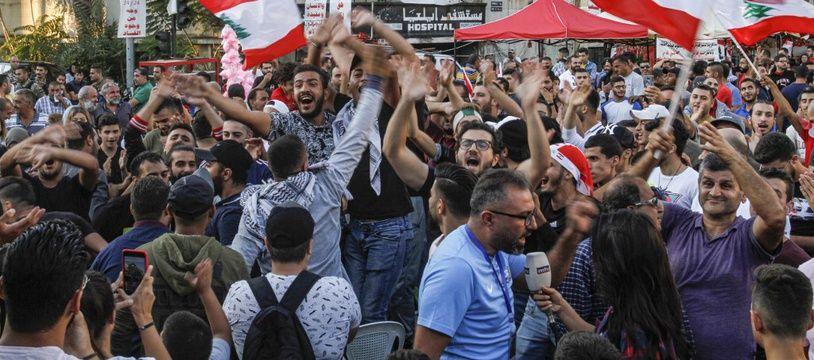 Depuis deux semaines, les Libanais manifestent contre la classe politique, jugée corrompue et incompétente.