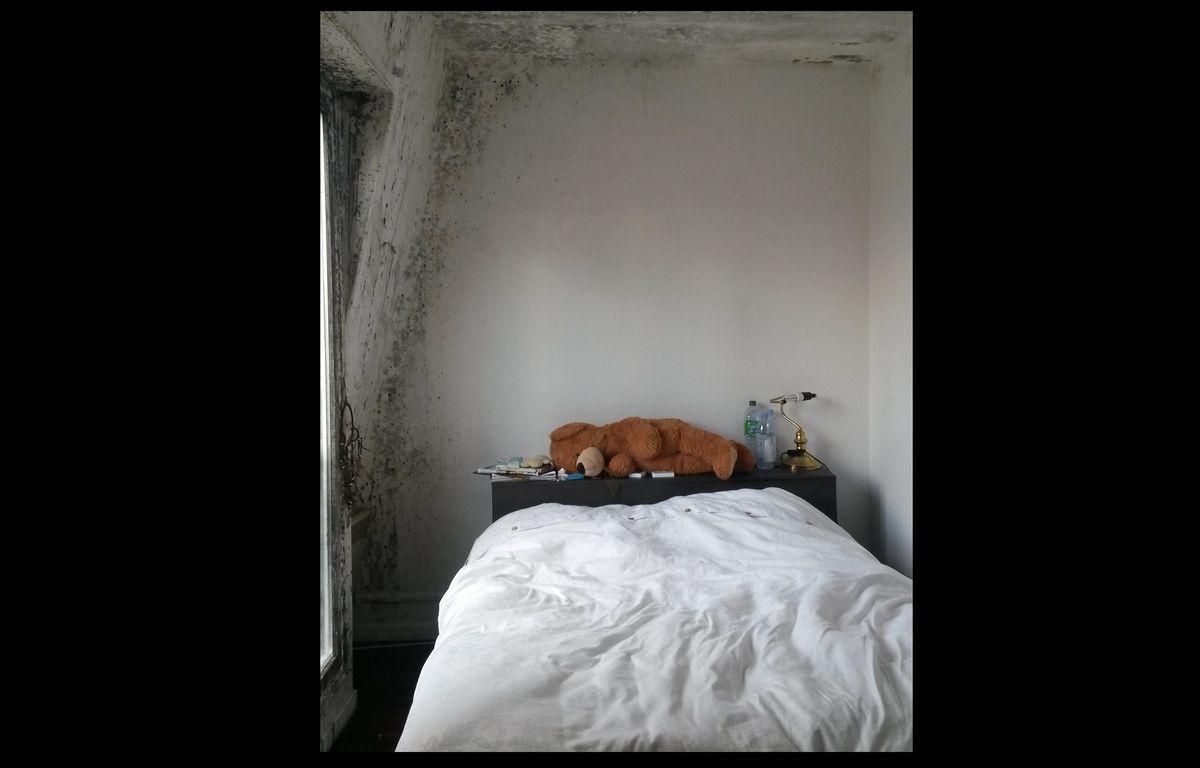 L'appartement de Lucile et Yassin et ses moisissures. – 20 minutes