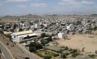 Trois membres présumés d'Al-Qaïda ont été tués et six autres blessés mercredi dans un raid aérien sur une localité du Sud du Yémen, attribué jeudi par des responsables locaux à l'armée américaine