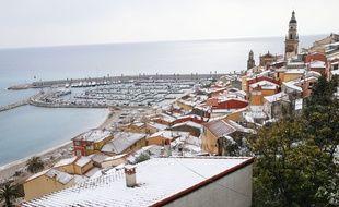 La ville de Menton (Alpes-Maritimes) sous la neige, le 27 février 2018.