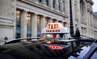 Illustration d'un taxi parisien.