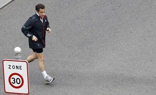 Nicolas Sarkozy fait un jogging après avoir rencontré Barack Obama à la veille du sommet de l'Otan, le 3 avril 2009 à Strasbourg.