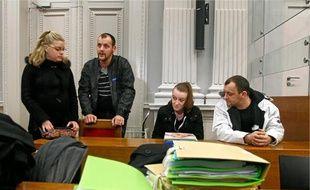 Sandrine et Franck Lavier, à droite, nient les accusations de mauvais traitements sur leurs enfants.