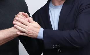 Une poignée de main (illustration).