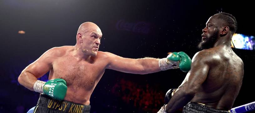 Fury a terrassé Wilder par arrêt de l'arbitre à la 7e reprise.