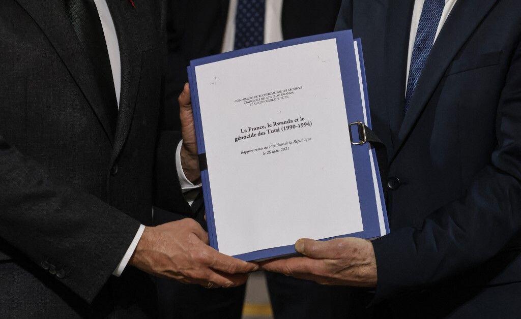 Lors de la remise du rapport sur le rôle de la France dans le génocide des Tutsis, fin mars.