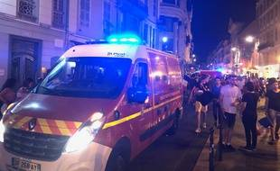 Mardi soir à la fin du match France-Belgique, pompiers et policiers ont dû intervenir après un mouvement de foule.