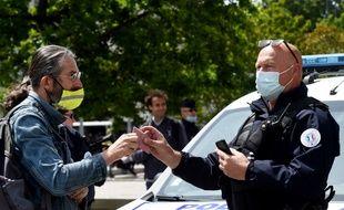 Quelques «gilets jaunes» ont bravé les interdictions de manifester.