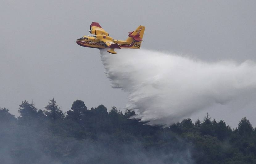 Aude: L'incendie «fixé» après avoir dévoré 900 hectares