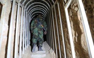 Un soldat syrien dans une prison en banlieue de Damas, en 2018.