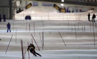 la piste de ski indoor damnville moselle est utilise par des skieurs