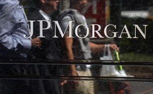 """Le département américain de la Justice (DoJ) a passé un accord amiable de 13 milliards de dollars avec JPMorgan Chase pour mettre fin à ses poursuites contre la banque dans les dérivés de prêts immobiliers risqués, dits """"subprime"""", a indiqué à l'AFP mardi une source proche du dossier."""