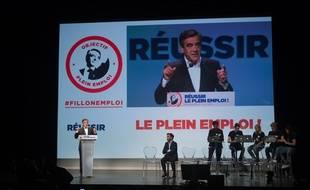 François Fillon lors d'un meeting à Issy-les-Moulineaux: