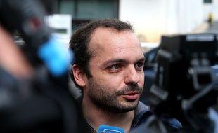 Reims (Marne), le 8 juillet 2019. François Lambert explique aux journalistes pourquoi il est favorable à l'arrêt des traitements de Vincent Lambert.