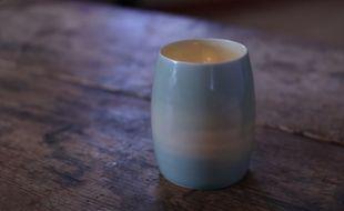 Un artisan américain transforme les cendres de défunts en poteries