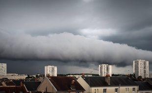 Un orage sur la ville de Tours, le 3 juin 2018.
