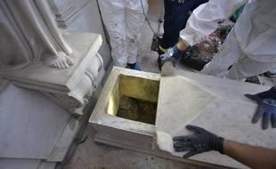 Le 11 juillet 2019, 11, 2019, dans le cadre de l'enquête sur la disparition de Emanuela Orlandi en 1983, les tombes princesses inhumées au XIXe siècle dans le petit cimetière de ce collège du Vatican ont été ouvertes.