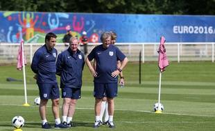 Roy Hodgson et ses assistants, Neville et Lewington