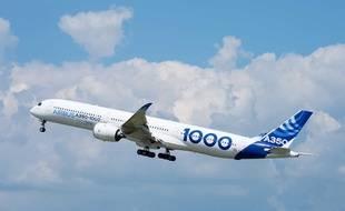 Un Airbus A350-1000 en vol. (Illustration).