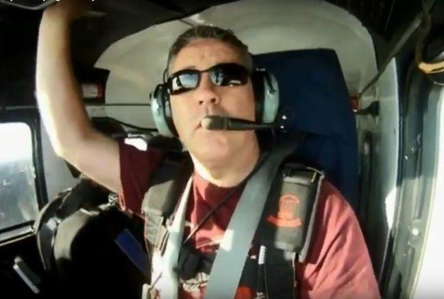 Capture d'écran d'une vidéo du pilote de l'avion