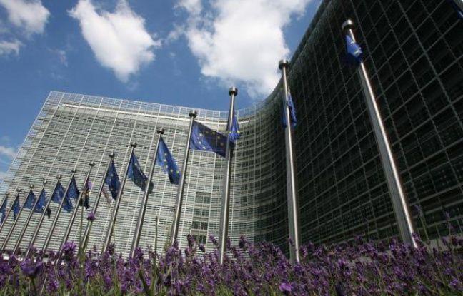 La Commission européenne a plaidé mercredi en faveur de salaires minimums décents dans toute l'Union européenne, dans un appel du pied à l'Allemagne, et indiqué voir d'un bon oeil leur différenciation par secteurs, un point qui suscite un début de controverse en France