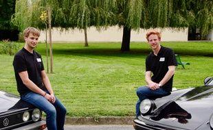 Gauthier Laviron (à gauche) et Bastien Vanlathem, co-fondateurs de la strat up Gryp qui imprime en 3D des pièces détachées de voitures.