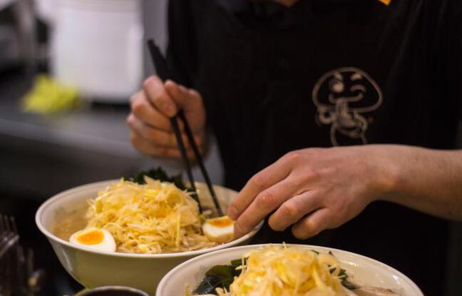 De délicieux ramens préparés à Naritake
