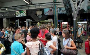 Le trafic SNCF a été très perturbé à la gare Montparnasse le 27 juillet 2018 après un incident électrique.